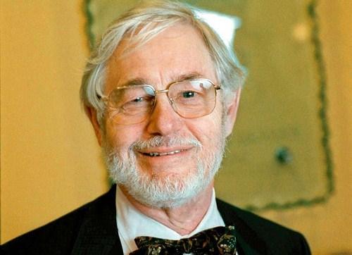Per Ingvar Branemark là cha đẻ của ngành cấy ghép răng implant