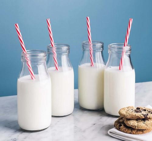 Sữa tươi giúp răng chắc khỏe & tráng sáng