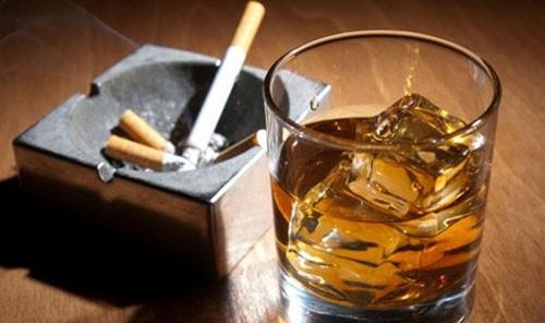 Không nên hút thuốc lá và uống bia rượu sau khi trồng răng Implant