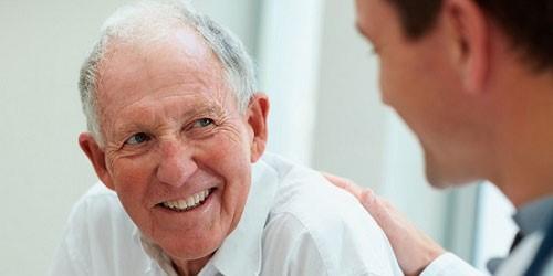 Người lớn tuổi có cấy ghép Implant được không?