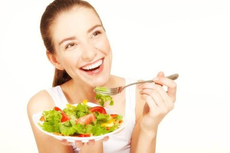 Ăn uống sau trồng răng